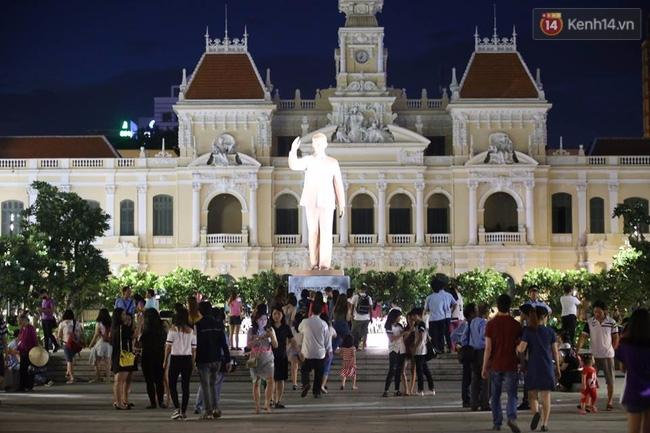 Pháo hoa rực sáng bầu trời Sài Gòn đêm Quốc Khánh - Ảnh 26.