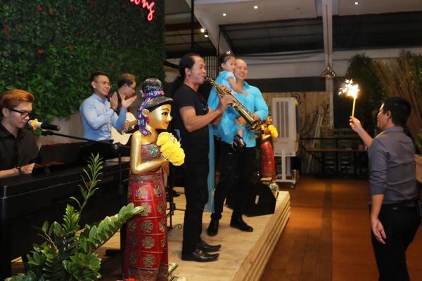 vo-chong-phan-dinh-tung-lam-sinh-nhat-3-tuoi-cho-con-gai-4