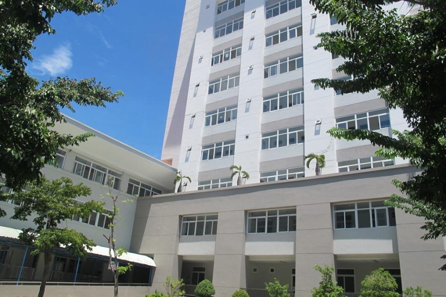 Bà M nhảy từ tầng 8 xuống sân thượng của tòa nhà 3 tầng và tử vong tại chỗ