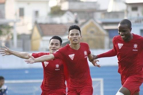HN T&T, Hải Phòng, Quảng Nam, V.League 2016, trọng tài sai sót