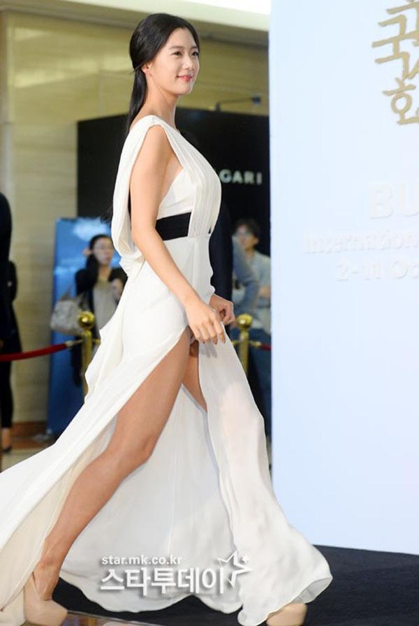 váy xẻ cao