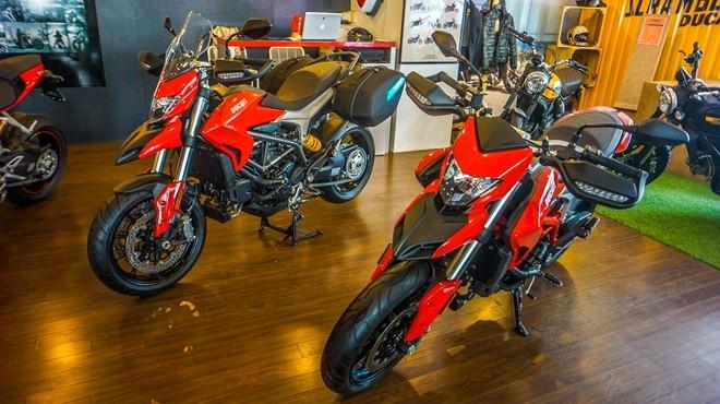 Ducati Hypermotard va Hyperstrada 939 co mat tai Viet Nam hinh anh 1