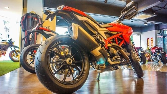Ducati Hypermotard va Hyperstrada 939 co mat tai Viet Nam hinh anh 3