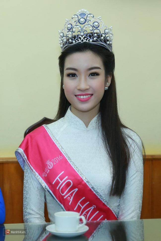 Hoa hậu Mỹ Linh xuất hiện rạng rỡ tham dự lễ khai giảng tại trường Việt Đức - Ảnh 5.