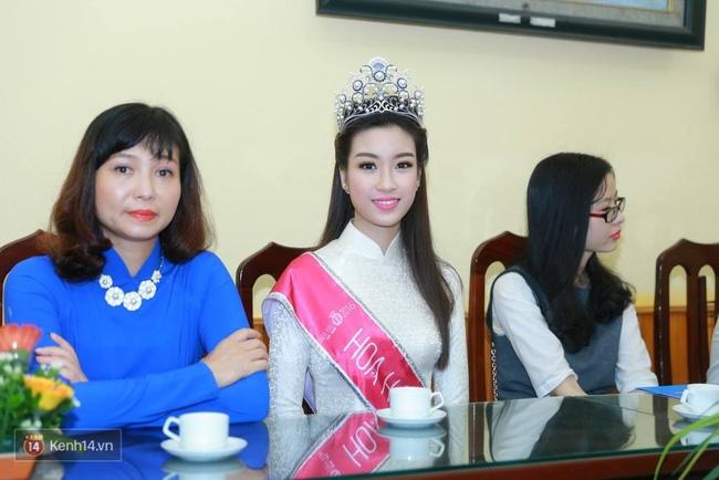 Hoa hậu Mỹ Linh xuất hiện rạng rỡ tham dự lễ khai giảng tại trường Việt Đức - Ảnh 6.