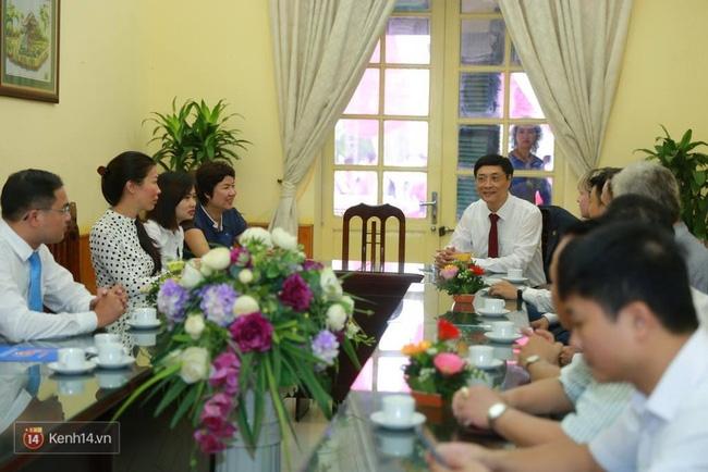 Hoa hậu Mỹ Linh xuất hiện rạng rỡ tham dự lễ khai giảng tại trường Việt Đức - Ảnh 8.