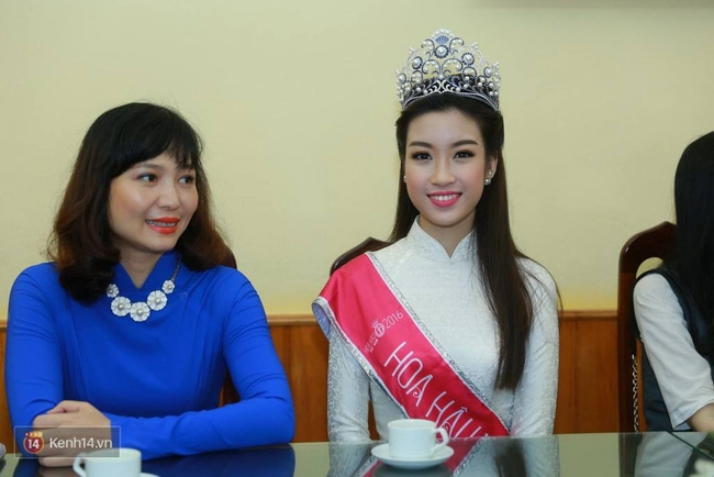 Hoa hậu Mỹ Linh xuất hiện rạng rỡ tham dự lễ khai giảng tại trường Việt Đức - Ảnh 9.