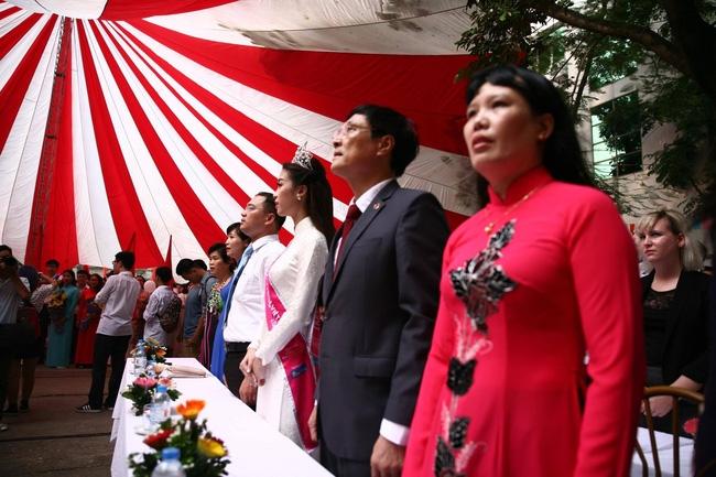 Hoa hậu Mỹ Linh xuất hiện rạng rỡ tham dự lễ khai giảng tại trường Việt Đức - Ảnh 23.