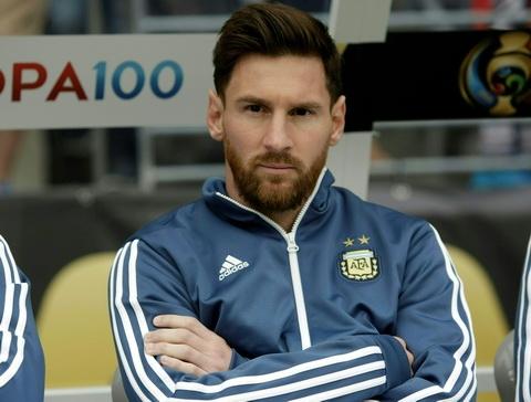Messi lai khien Barca dau dau khi gian tiep doi ra di hinh anh 2