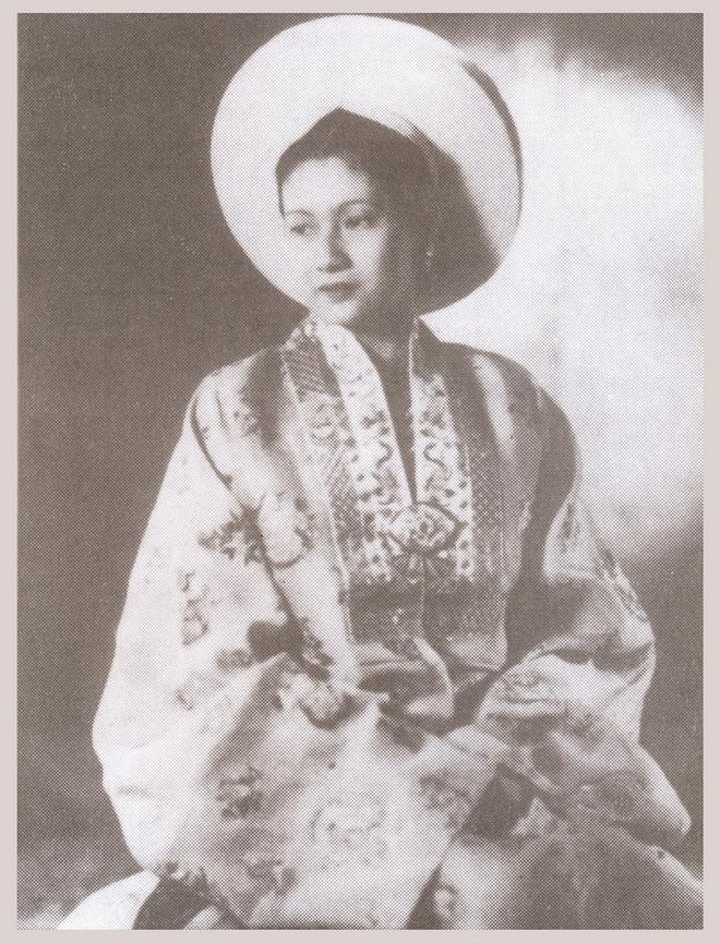 Giai thoại về cô gái 3 lần đăng quang Hoa hậu Đông Dương - Ảnh 2.