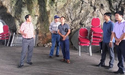 Hang động Vịnh Hạ Long thành phòng tiệc: Ai mở đường? - ảnh 1