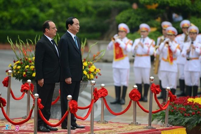 Le don Tong thong Phap Francois Hollande tai Ha Noi hinh anh 2