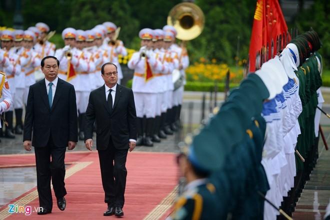 Le don Tong thong Phap Francois Hollande tai Ha Noi hinh anh 3