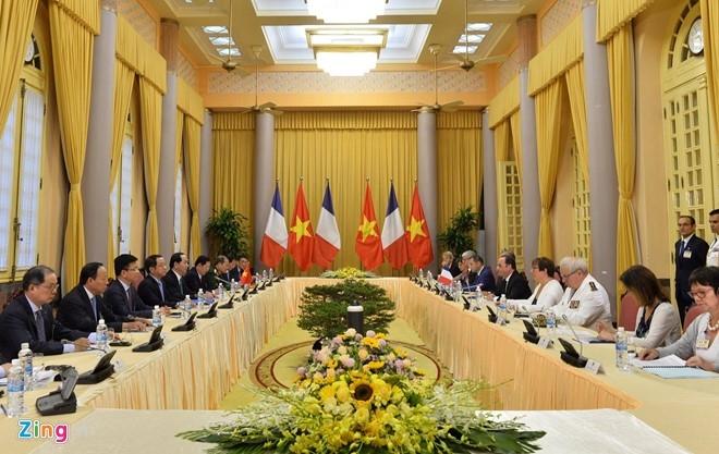 Le don Tong thong Phap Francois Hollande tai Ha Noi hinh anh 7