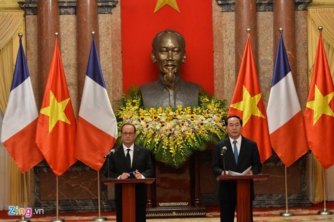 Le don Tong thong Phap Francois Hollande tai Ha Noi hinh anh 9