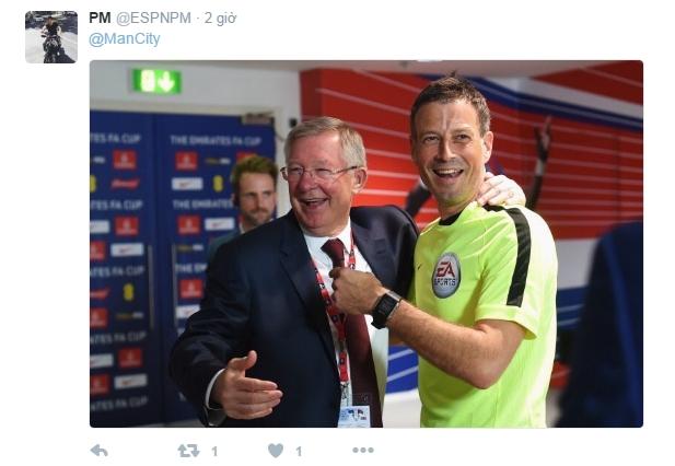 Mark Clattenburg bat chinh tran derby, CDV Man City hoang so hinh anh 2