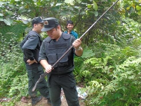 Thảm án Lào Cai: Hung thủ mang súng ẩn náu trong hang sâu - ảnh 2