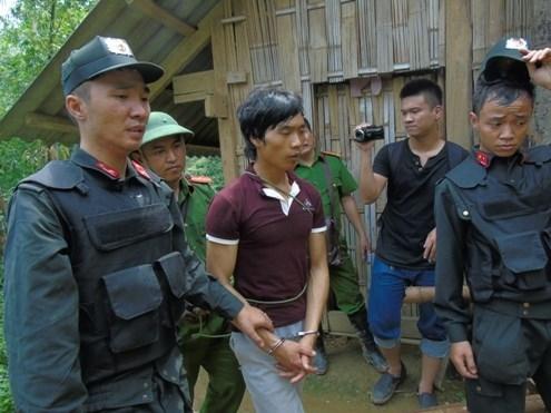 Thảm án Lào Cai: Hung thủ mang súng ẩn náu trong hang sâu - ảnh 4