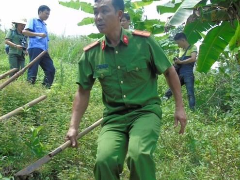 Thảm án Lào Cai: Hung thủ mang súng ẩn náu trong hang sâu - ảnh 5