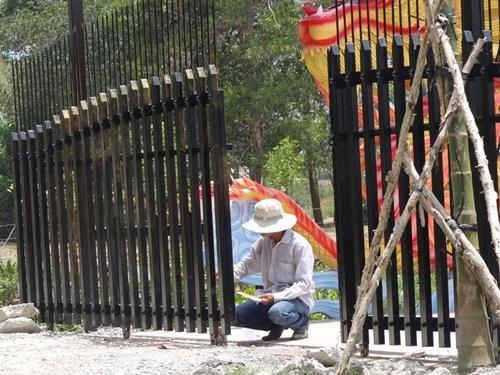 Choáng với nhà thờ Tổ 100 tỷ đã xây xong của Hoài Linh - 7