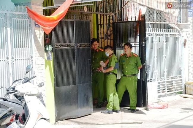 Người đàn ông chết bất thường ở Sài Gòn với dây điện quấn quanh người - Ảnh 1.