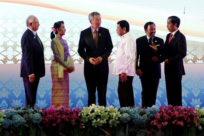 The gioi 'nin tho' cho Tong thong Duterte du hoi nghi ASEAN hinh anh 1