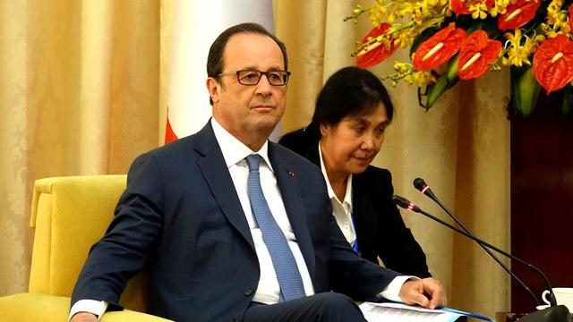 Tổng thống Pháp đánh giá cao sự nồng nhiệt của nhân dân thành phố khi ông đến thăm