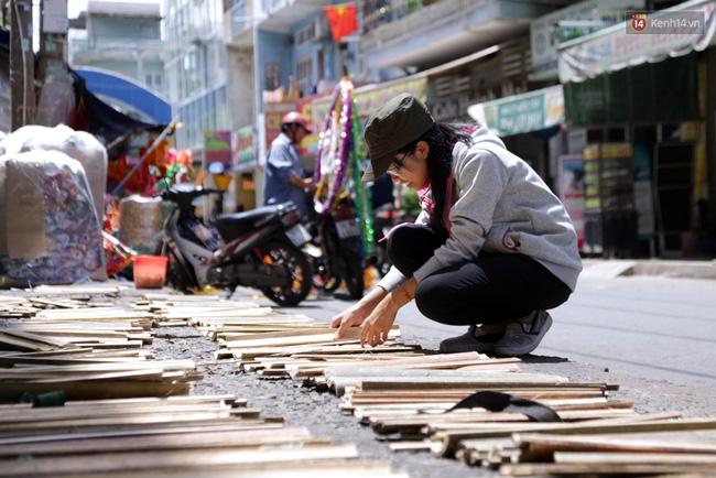Xóm lồng đèn truyền thống lớn nhất Sài Gòn nhộn nhịp đón Tết Trung thu - Ảnh 2.
