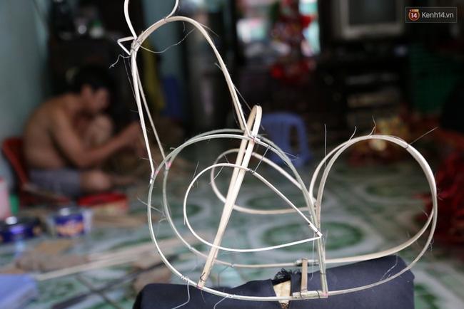 Xóm lồng đèn truyền thống lớn nhất Sài Gòn nhộn nhịp đón Tết Trung thu - Ảnh 5.