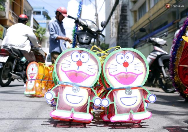 Xóm lồng đèn truyền thống lớn nhất Sài Gòn nhộn nhịp đón Tết Trung thu - Ảnh 15.