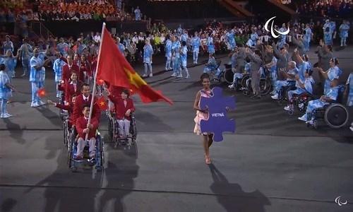 Anh an tuong cua doan TTVN tai khai mac Paralympic Rio 2016-Hinh-9