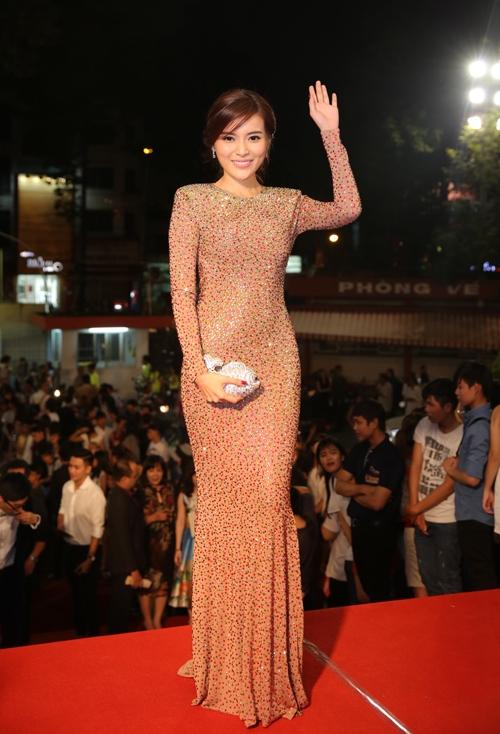 dan-sao-long-lay-tren-tham-do-vtv-awards-page-3
