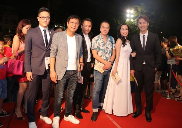 dan-sao-long-lay-tren-tham-do-vtv-awards-page-3-4