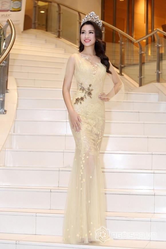 Hoa hậu Mỹ Linh rạng rỡ 7
