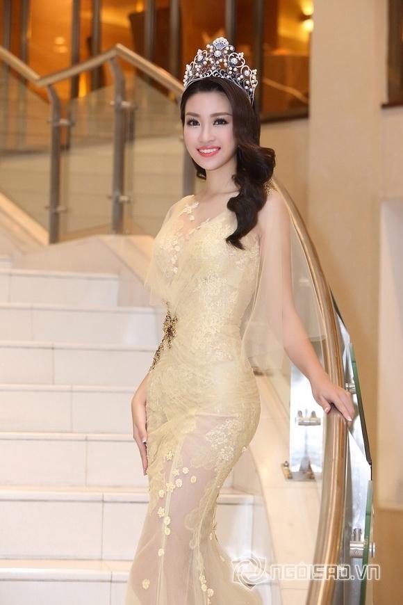 Hoa hậu Mỹ Linh rạng rỡ 2