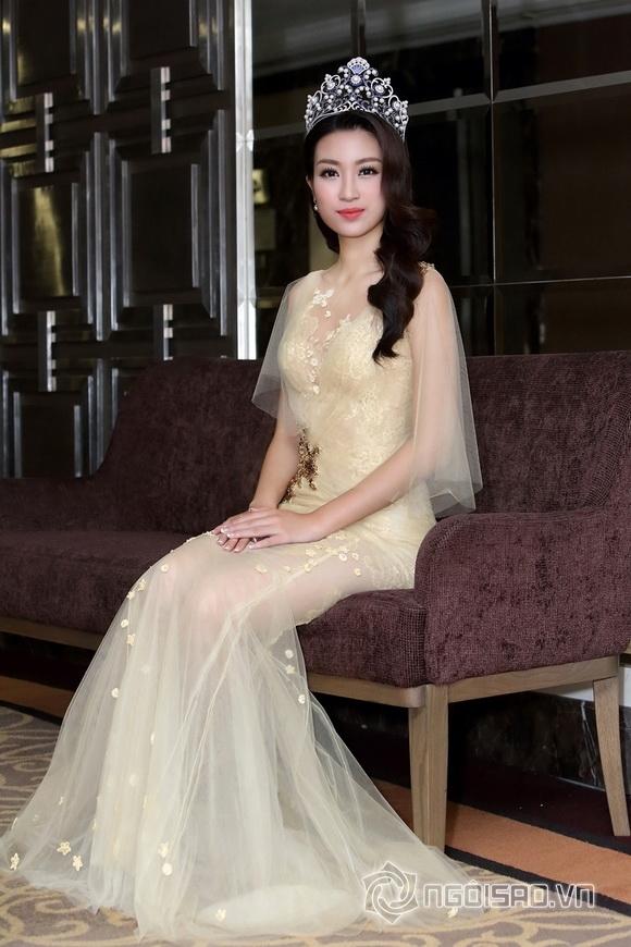 Hoa hậu Mỹ Linh rạng rỡ 5