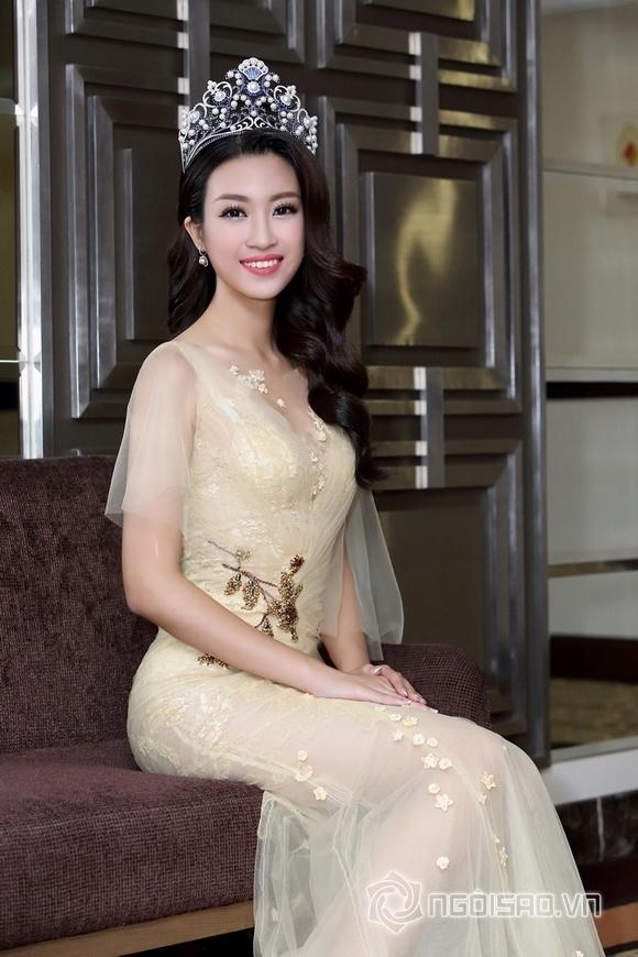 Hoa hậu Mỹ Linh rạng rỡ 4