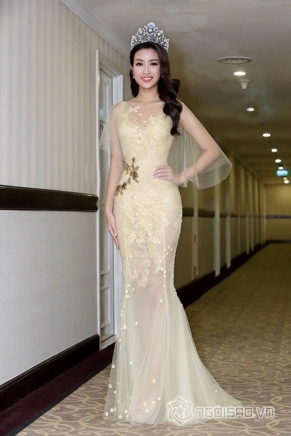 Hoa hậu Mỹ Linh rạng rỡ 3