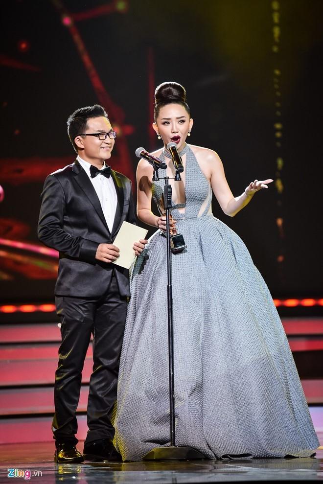 Nha Phuong, Truong Giang cung thang giai VTV Awards hinh anh 3