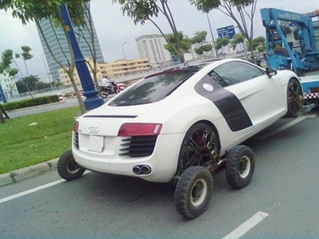 Ơ thế hóa ra Audi còn có hệ dẫn động 8 bánh Quattro à?