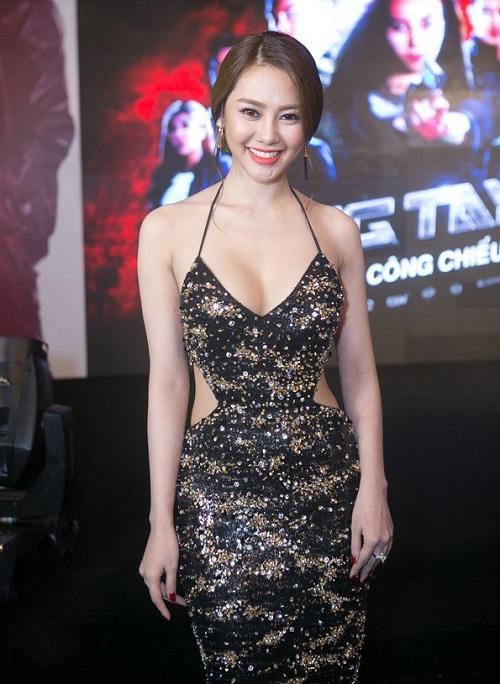 Từ khi sửa ngực, á hậu Linh Chi mặc siêu gợi cảm - 2