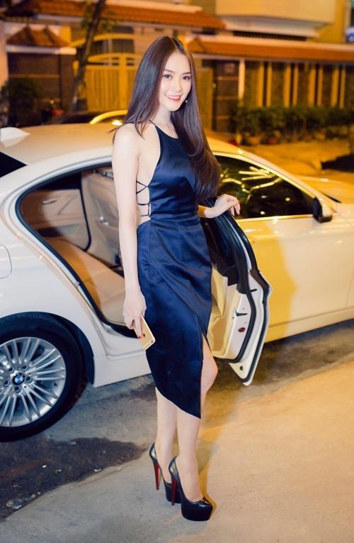 Từ khi sửa ngực, á hậu Linh Chi mặc siêu gợi cảm - 9
