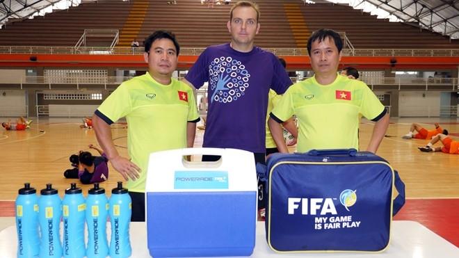 Tuyen futsal Viet Nam duoc an ngon tai Colombia hinh anh 6