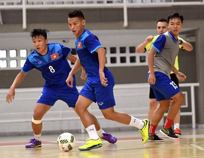 Tuyen futsal Viet Nam duoc an ngon tai Colombia hinh anh 7
