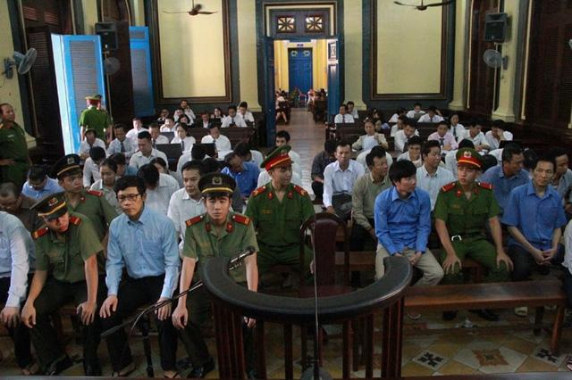 Các bị cáo tại phiên xử chiều nay