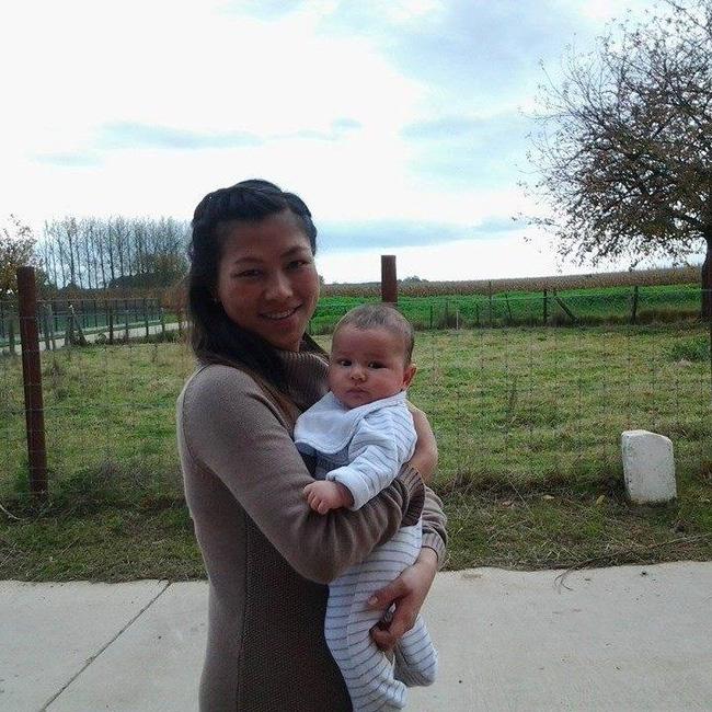 Cô bé dân tộc nói tiếng Anh như gió ngày nào đã lấy chồng nước ngoài và có một em bé xinh xắn - Ảnh 5.
