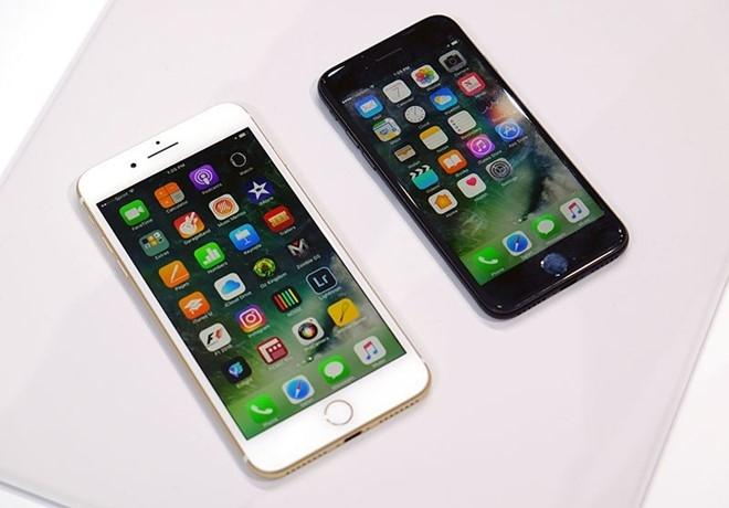 Dan buon chun tay, so iPhone 7 e am khi ve nuoc hinh anh 1