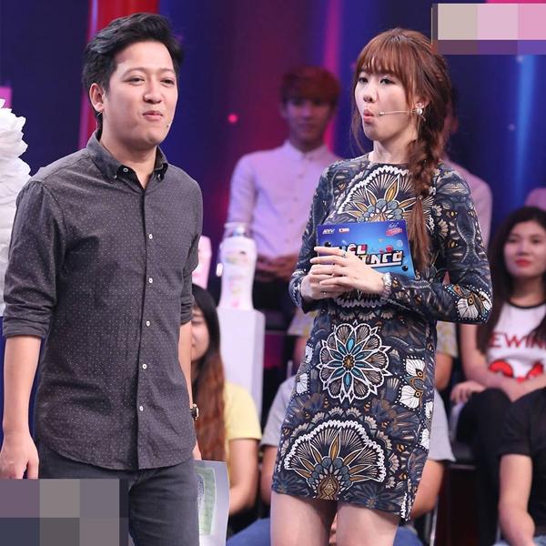 Hari Won mượn váy của mẹ Trấn Thành để mặc? - Ảnh 1.