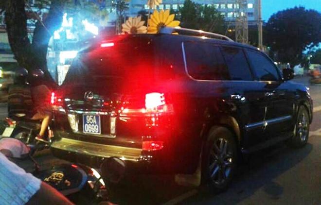 Ông Trịnh Xuân Thanh gặp nạn vì chiếc xe Lexus biển số xanh - Ảnh 1.