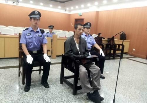 Trương đã bị cảnh sát bắt giữ gì không thể... nhịn đại tiện trong lúc đang ăn trộm